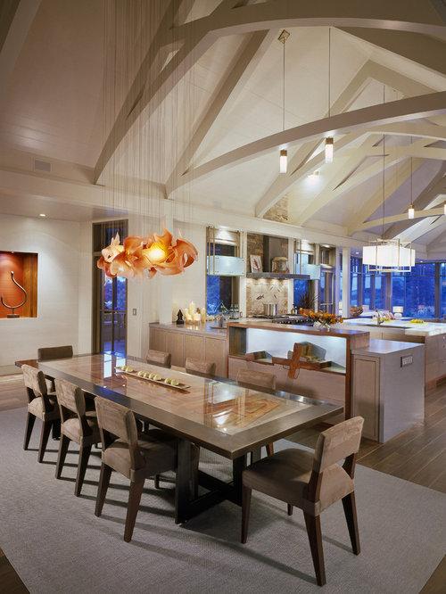 Best vaulted ceiling great room design ideas remodel for Vaulted ceiling great room