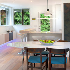 Modern Dining Room by ah-design