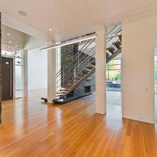 Modern Dining Room by CRFORMA DESIGN:BUILD