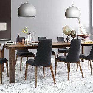 Imagen de comedor escandinavo, grande, abierto, sin chimenea, con paredes grises, suelo de mármol y suelo blanco