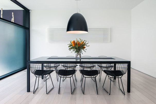 Modern Dining Room by Peter A. Sellar - Architectural Photographer