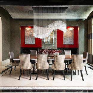 ダラスの大きいコンテンポラリースタイルのおしゃれな独立型ダイニング (グレーの壁、大理石の床、暖炉なし) の写真