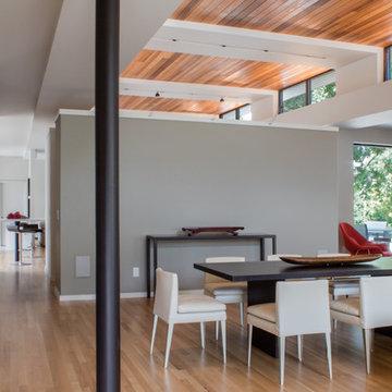 Modern Oak Hill Residence