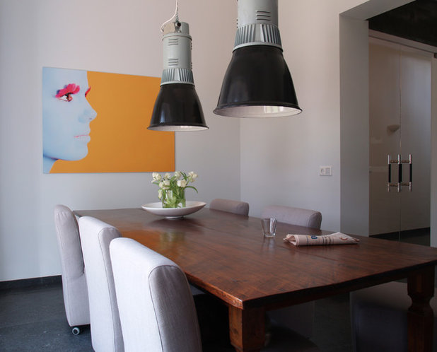Contemporary Dining Room by in3interieur