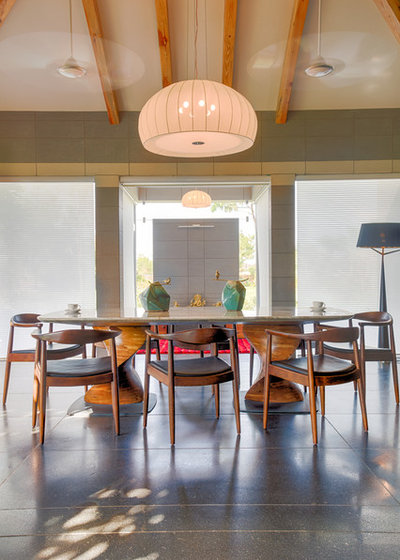 Contemporary Dining Room by KSUP STUDIO