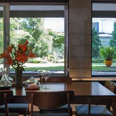 Midcentury Dining Room by Adrienne DeRosa