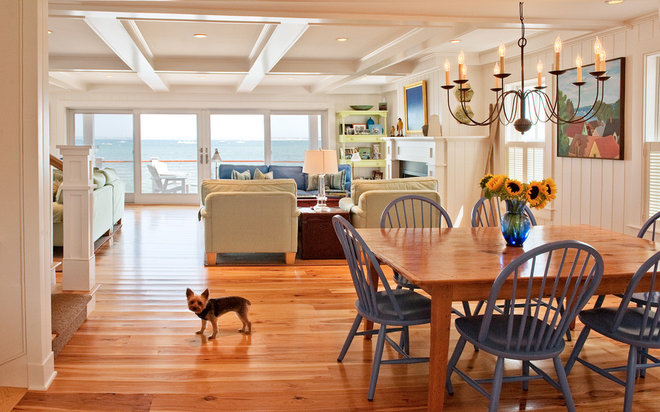 Beach Style Dining Room by Mary Prince Photography