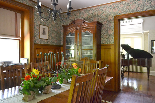 Traditional Dining Room by Colleen Brett