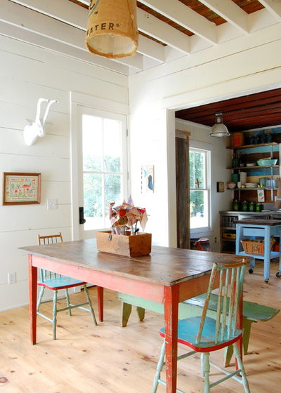 Shabby-chic Style Dining Room by Corynne Pless
