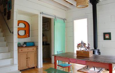 9 vieilles portes en bois s'invitent dans des intérieurs contemporains