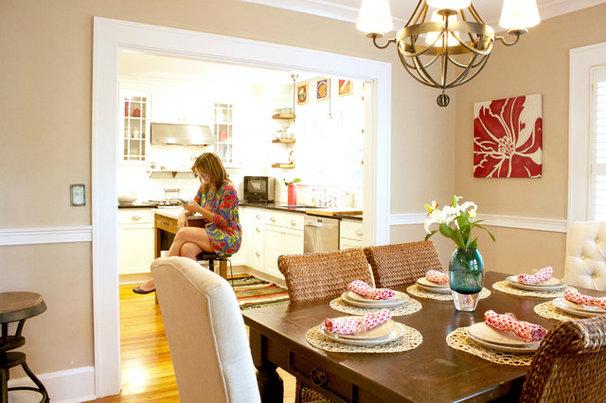 Traditional Dining Room by Mina Brinkey