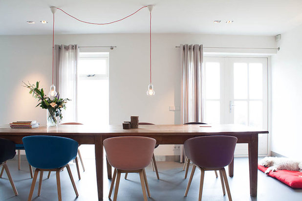 tavolo e lampada per sala da pranzo