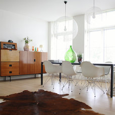 Midcentury Dining Room by Holly Marder