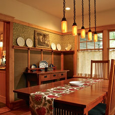 Craftsman Dining Room by Hoffman Grayson Architects LLP