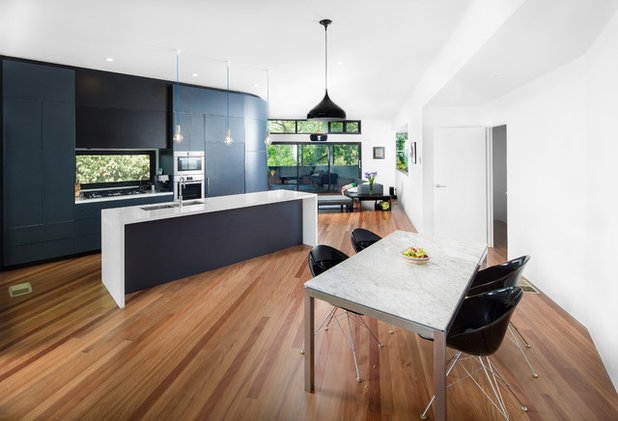 Contemporary Dining Room by Adam Dettrick Architects