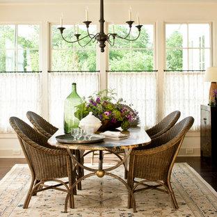 Imagen de comedor de estilo de casa de campo, grande, cerrado, con paredes blancas y suelo de madera oscura