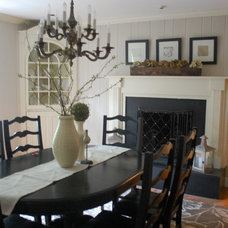 Traditional Dining Room by Lori Harris