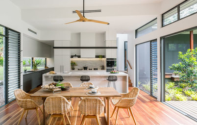Room of the Week: A Kitchen For Entertaining Crowds with Ease