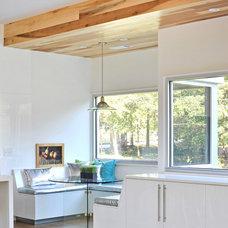 Modern Dining Room by Dencity