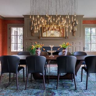 Новый формат декора квартиры: кухня-столовая в стиле современная классика с оранжевыми стенами, светлым паркетным полом, камином и фасадом камина из камня