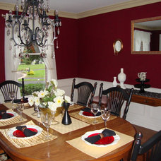Traditional Dining Room by Amanda Alligood
