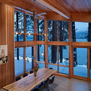 North Lake Wenatchee Cabin dining