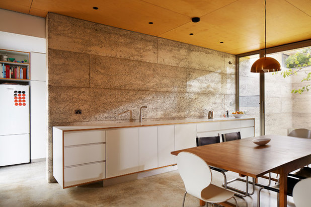Contemporary Dining Room by Jonathan Lake Architects
