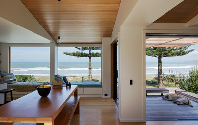 Houzz Tour: Simplicity and Style in a New Zealand Beach House