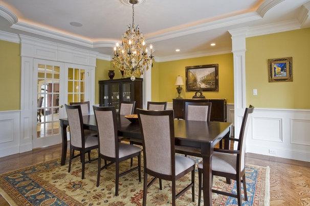 Traditional Dining Room by Tatiana