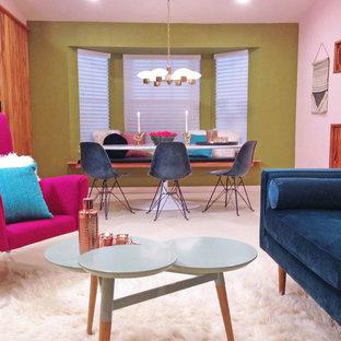Diseño de comedor vintage, pequeño, abierto, con paredes verdes y suelo de linóleo