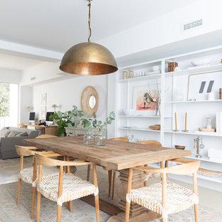 Foto de comedor de cocina marinero, grande, con paredes blancas, suelo de cemento y suelo beige