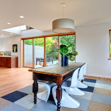 Contemporary Dining Room by Floisand Studio