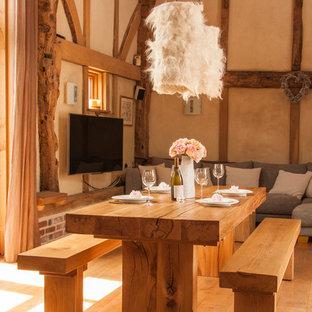 Organic feel oak dining room