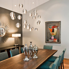 Modern Dining Room by Streeter & Associates, Inc.