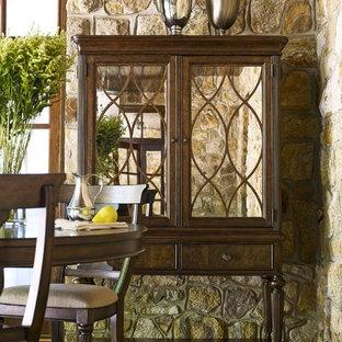 Inspiration för en mellanstor vintage separat matplats, med flerfärgade väggar, klinkergolv i keramik och grönt golv