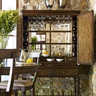 Ejemplo de comedor tradicional, de tamaño medio, cerrado, sin chimenea, con paredes multicolor, suelo de baldosas de cerámica y suelo verde