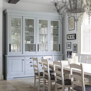 Inspiration pour une grand salle à manger victorienne avec un sol en calcaire.