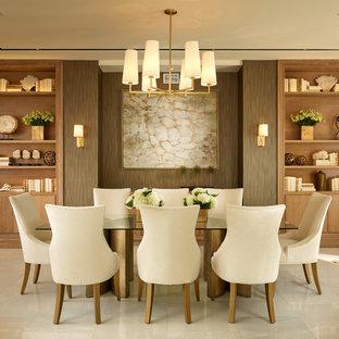 Foto de comedor clásico renovado, grande, abierto, con paredes beige y suelo de mármol