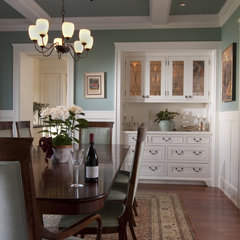 traditional dining room by FGY Architects