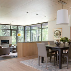 Contemporary Dining Room by Studio Frank