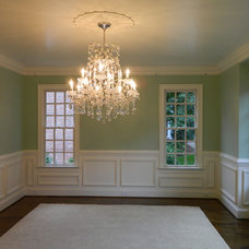 Traditional Dining Room by Woodmaster Woodworks Inc.