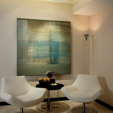 Modern Dining Room by D&L WALL DESIGN