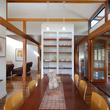 Traditional Dining Room by spAEc