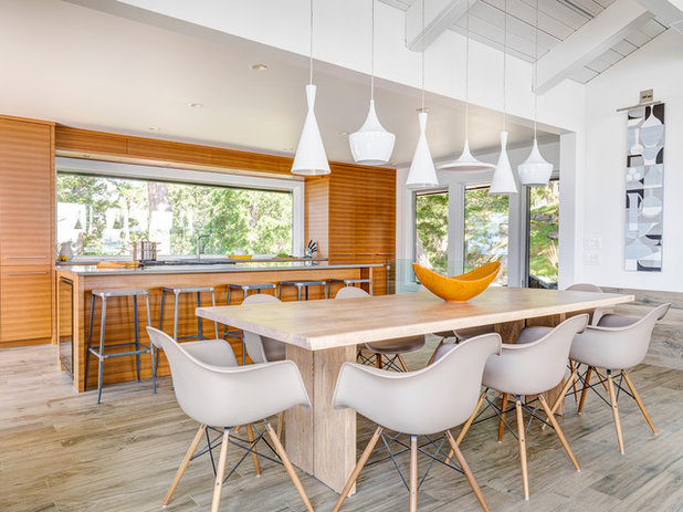 Coastal Dining Room by Johnson + McLeod Design Consultants