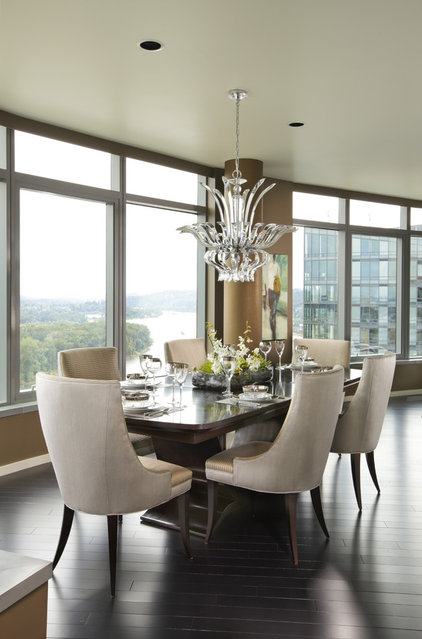 Contemporary Dining Room by Faith Cosgrove (TSRG)