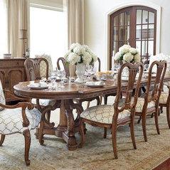 Santa Clarita, CA. Dining Room Furniture