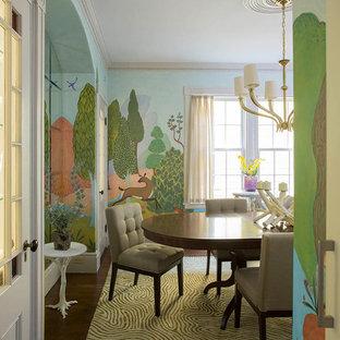 Imagen de comedor bohemio, grande, con paredes multicolor