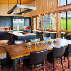 Contemporary Dining Room by Design Associates - Lynette Zambon, Carol Merica