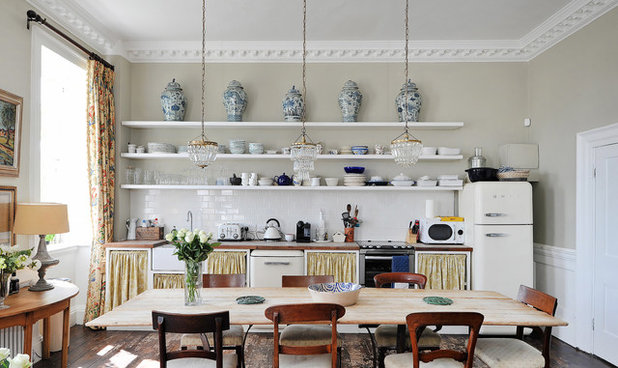 Traditional Dining Room by Pete Helme Photography