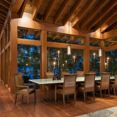 Rustic Dining Room by architecture 311.5